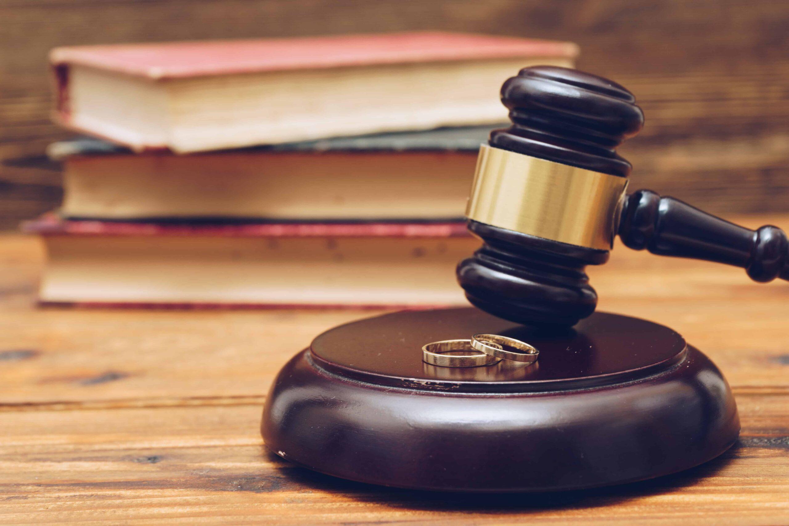 Rozwód z orzeczeniem o winie – czy to się opłaca?